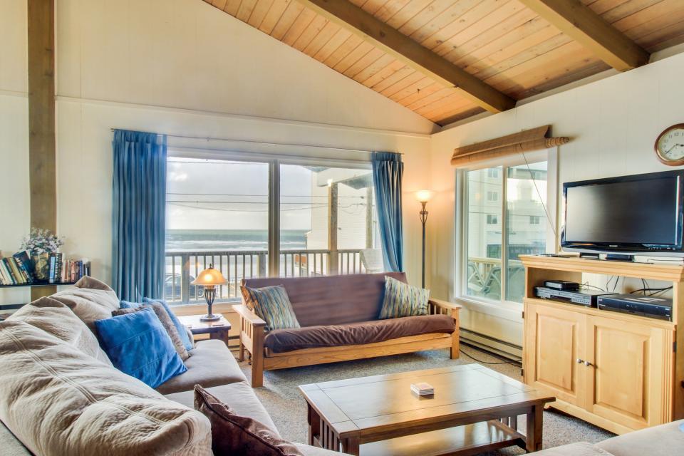 Beach Retreat - Newport Vacation Rental - Photo 1
