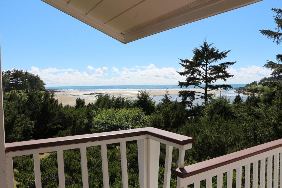Hidden Luxury Beachfront Estate - Yachats Vacation Rental - Photo 46
