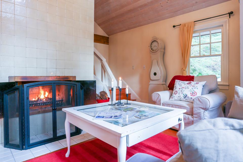 Swedish Stuga Vacation Rental - Rhododendron Vacation Rental - Photo 11