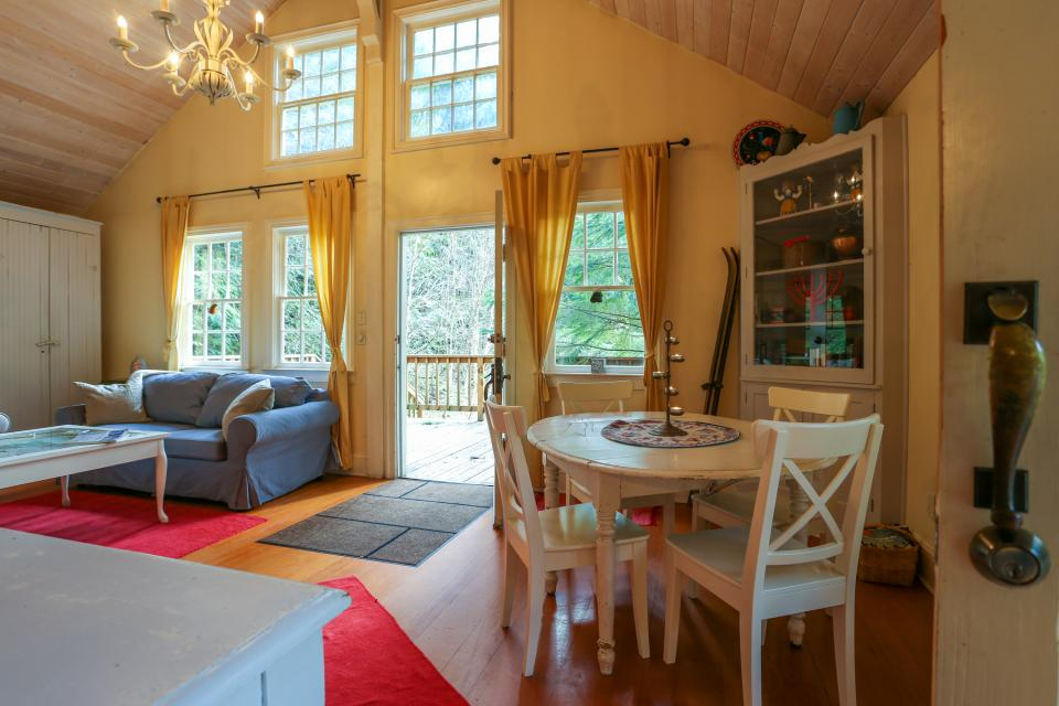Swedish Stuga Vacation Rental - Rhododendron Vacation Rental - Photo 13