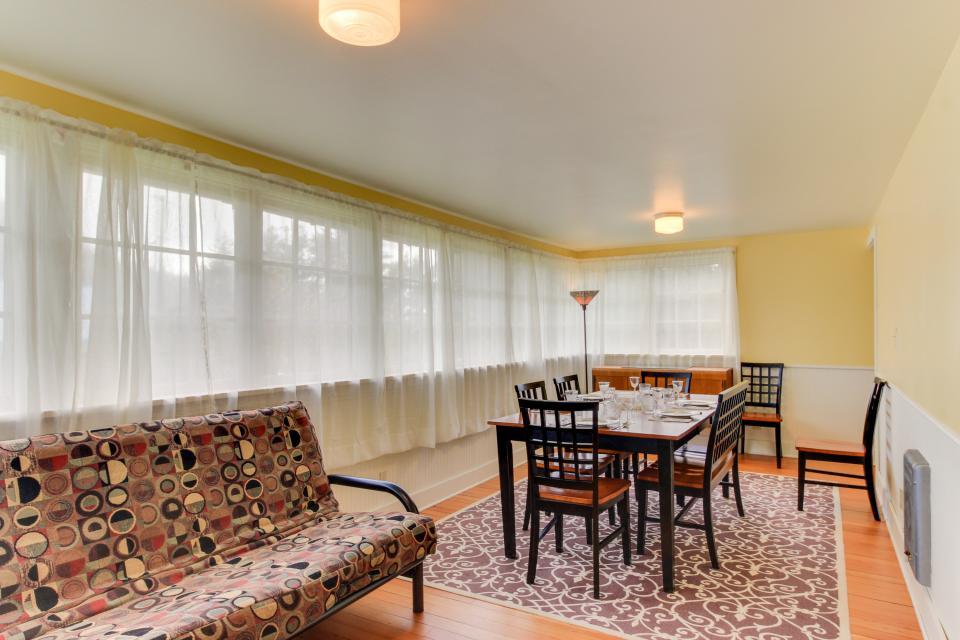 Maple House - Waldport Vacation Rental - Photo 7