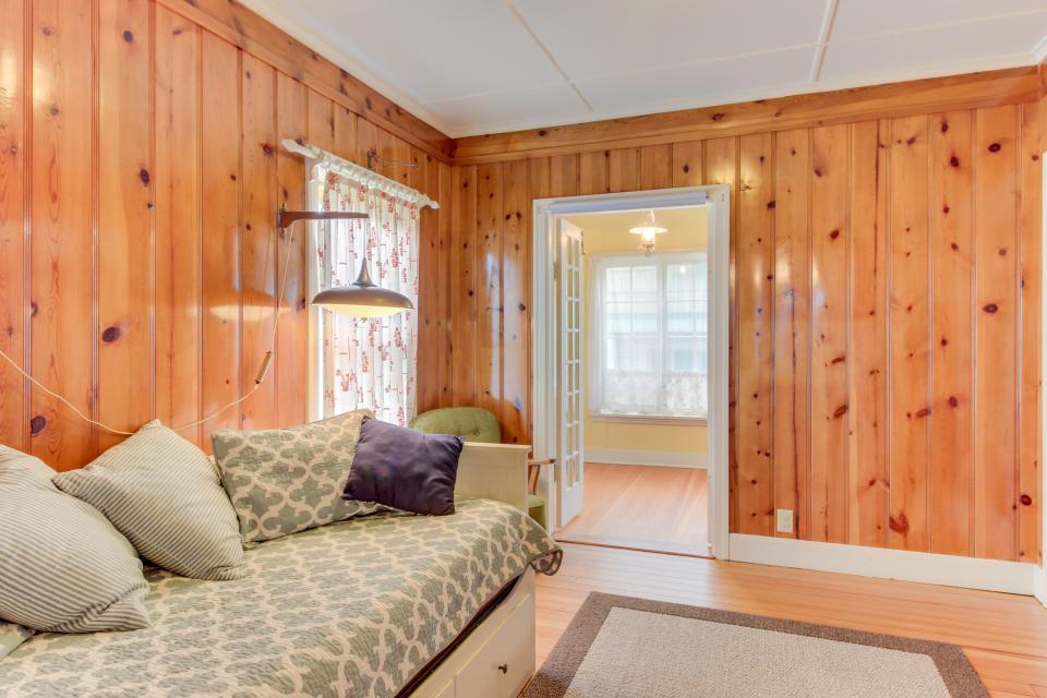 Maple House - Waldport Vacation Rental - Photo 21