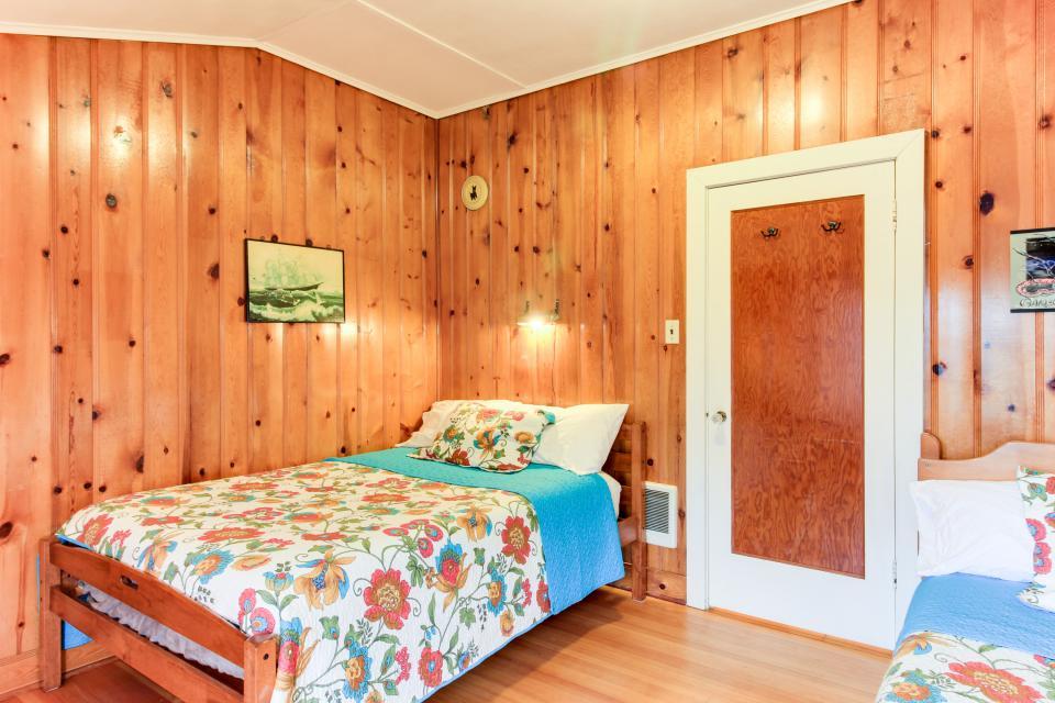 Maple House - Waldport Vacation Rental - Photo 16