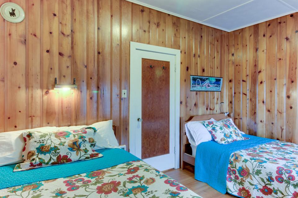 Maple House - Waldport Vacation Rental - Photo 14