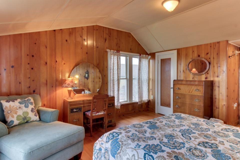 Maple House - Waldport Vacation Rental - Photo 19