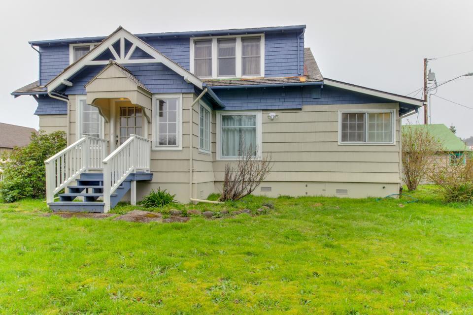 Maple House - Waldport Vacation Rental - Photo 26
