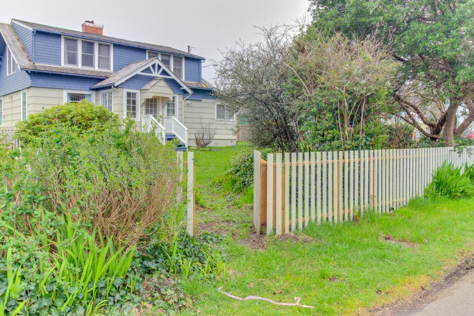Maple House - Waldport Vacation Rental - Photo 3