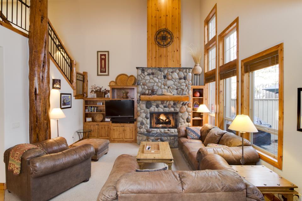 5 Aquila Lodge  - Sunriver Vacation Rental - Photo 7