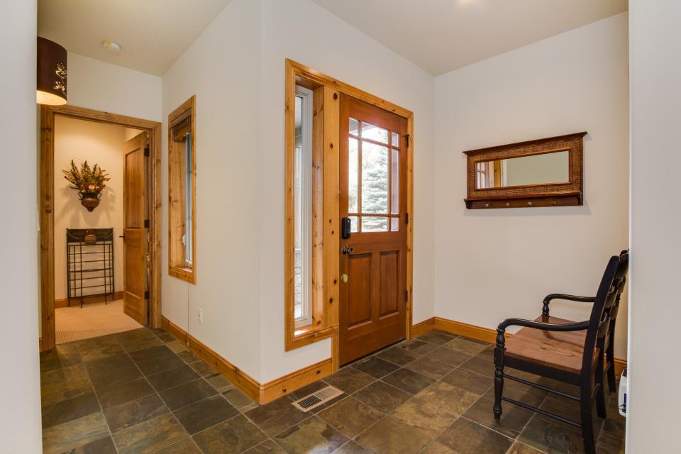 5 Aquila Lodge  - Sunriver Vacation Rental - Photo 4