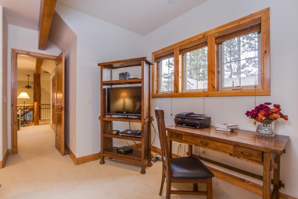 5 Aquila Lodge  - Sunriver Vacation Rental - Photo 19