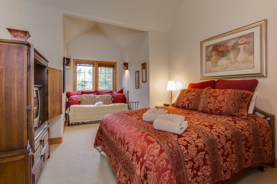 5 Aquila Lodge  - Sunriver Vacation Rental - Photo 21