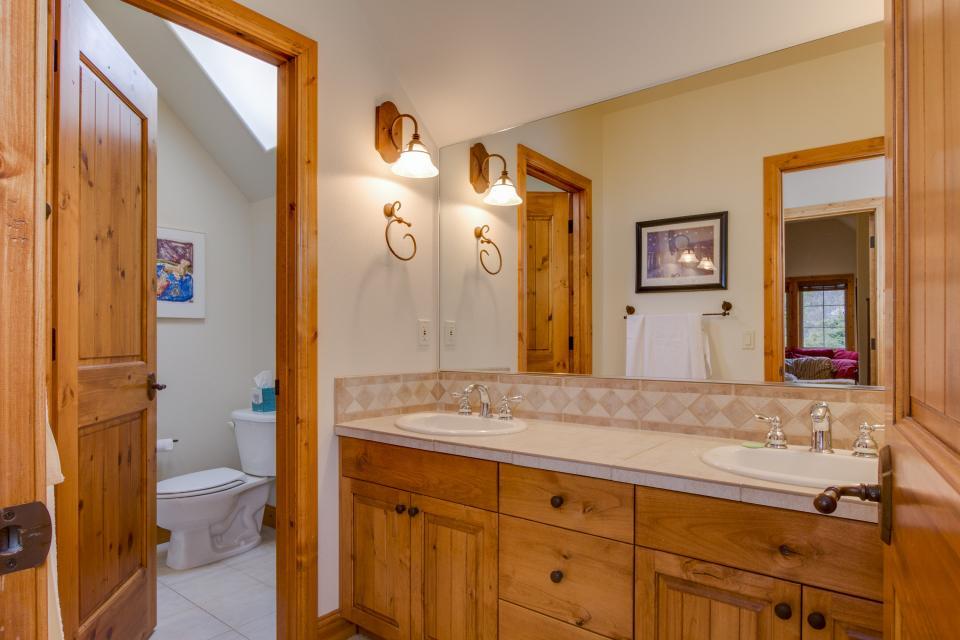 5 Aquila Lodge  - Sunriver Vacation Rental - Photo 20