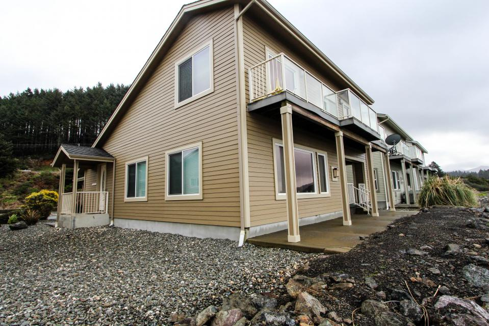 Paradise Beach House - Gold Beach Vacation Rental - Photo 38