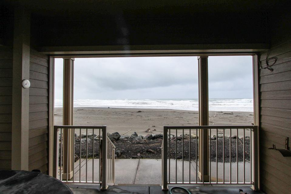 Paradise Beach House - Gold Beach Vacation Rental - Photo 3