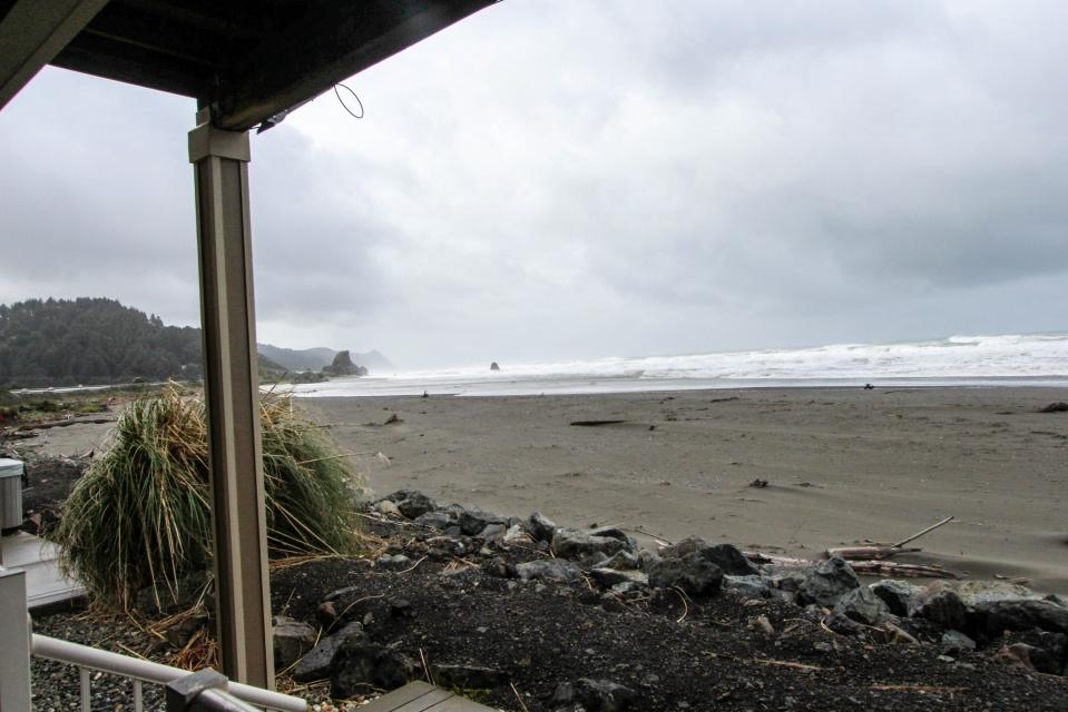 Paradise Beach House - Gold Beach Vacation Rental - Photo 2