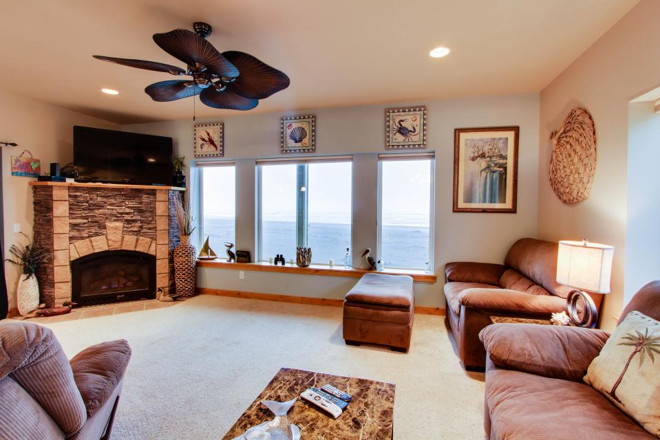 Paradise Beach House - Gold Beach Vacation Rental - Photo 29