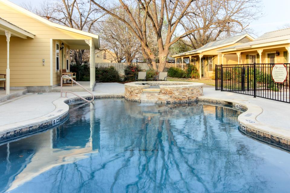 Main Street Retreat: A Chance for Romance - Fredericksburg Vacation Rental - Photo 24