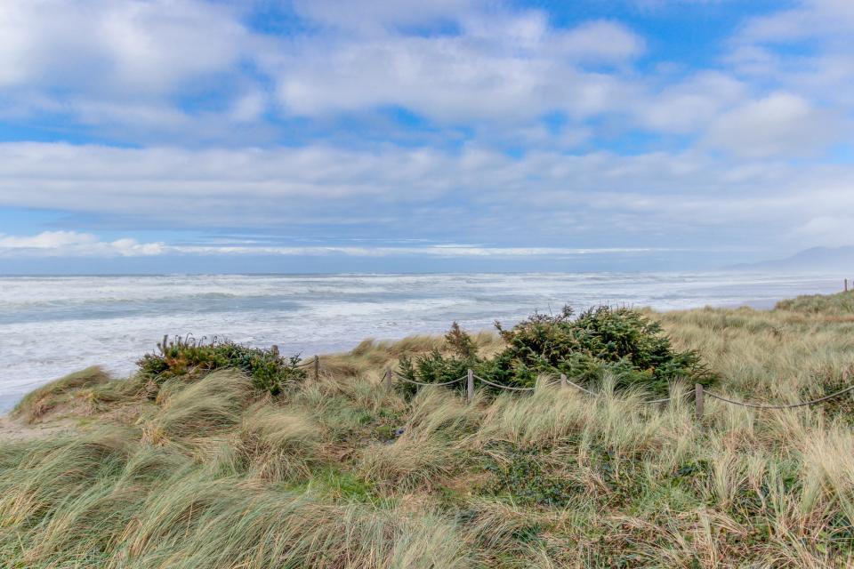 Vista al Mar - Rockaway Beach Vacation Rental - Photo 2