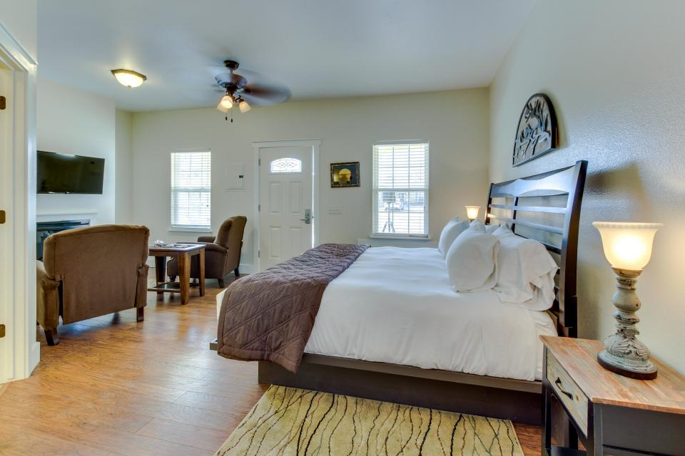 Main Street Retreat: A Chance for Romance - Fredericksburg Vacation Rental - Photo 3
