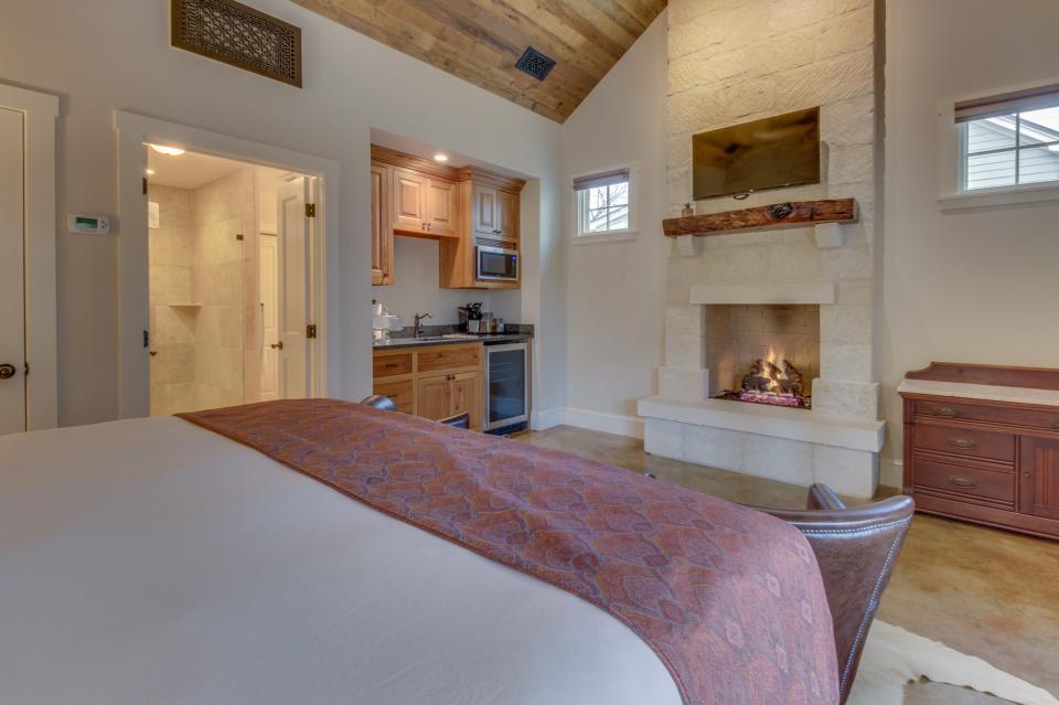 The Blacksmith Quarters on Barons Creek: The Betty - Fredericksburg Vacation Rental - Photo 13