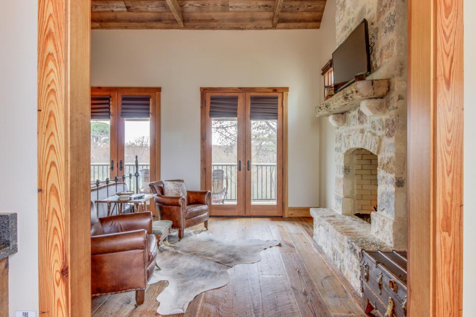 The Blacksmith Quarters on Barons Creek: The Max Cottage - Fredericksburg Vacation Rental - Photo 7