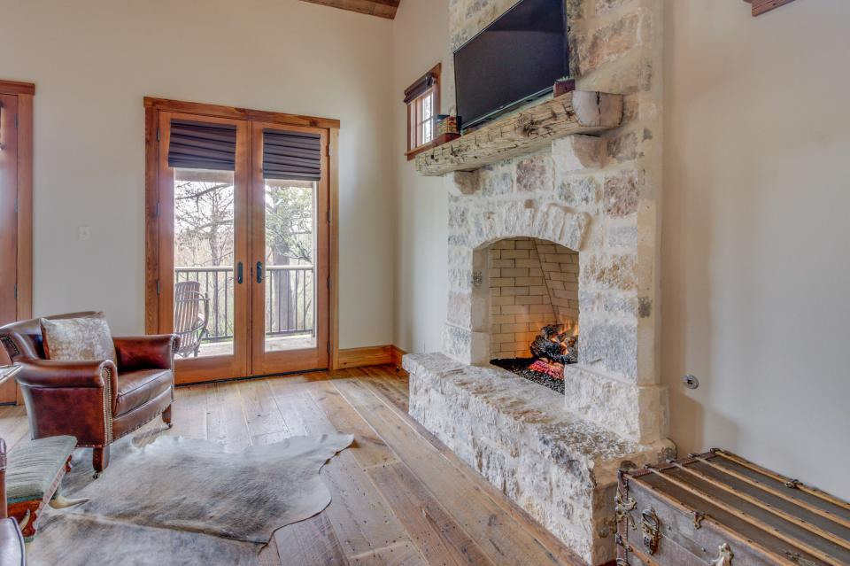 The Blacksmith Quarters on Barons Creek: The Max Cottage - Fredericksburg Vacation Rental - Photo 14