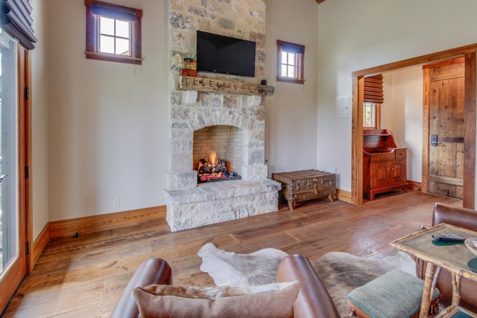 The Blacksmith Quarters on Barons Creek: The Max Cottage - Fredericksburg Vacation Rental - Photo 6