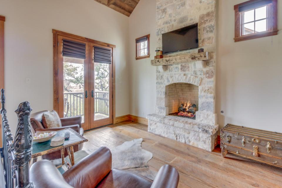 The Blacksmith Quarters on Barons Creek: The Max Cottage - Fredericksburg Vacation Rental - Photo 13