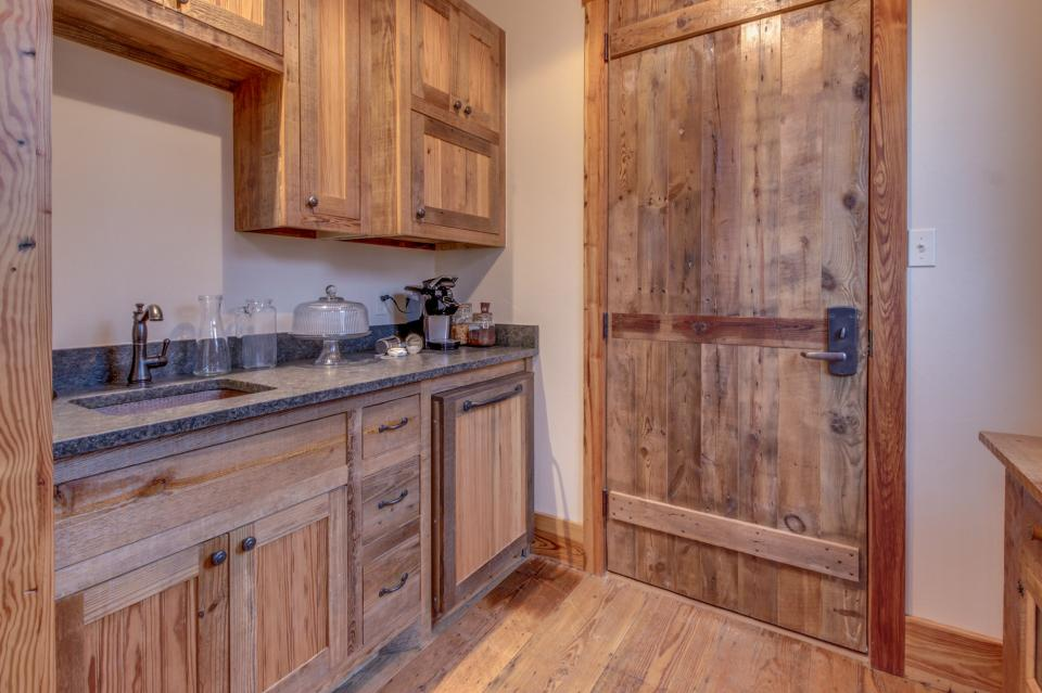 The Blacksmith Quarters on Barons Creek: The Carl Cottage - Fredericksburg Vacation Rental - Photo 6