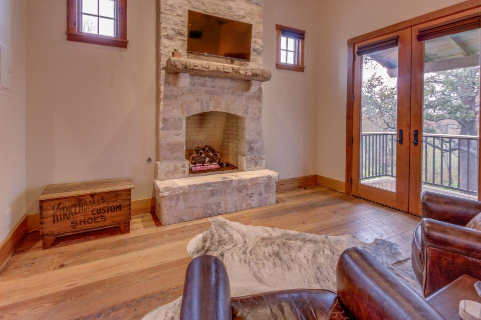 The Blacksmith Quarters on Barons Creek: The Carl Cottage - Fredericksburg Vacation Rental - Photo 5