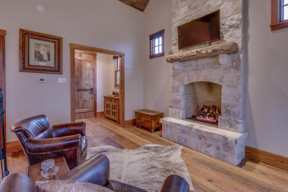 The Blacksmith Quarters on Barons Creek: The Carl Cottage - Fredericksburg Vacation Rental - Photo 8