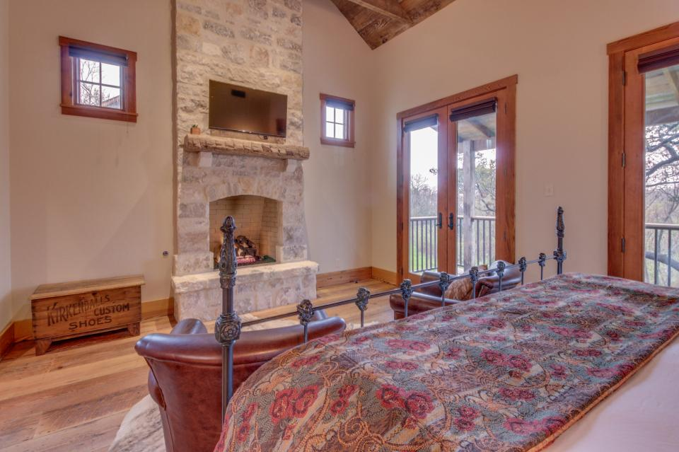 The Blacksmith Quarters on Barons Creek: The Carl Cottage - Fredericksburg Vacation Rental - Photo 14