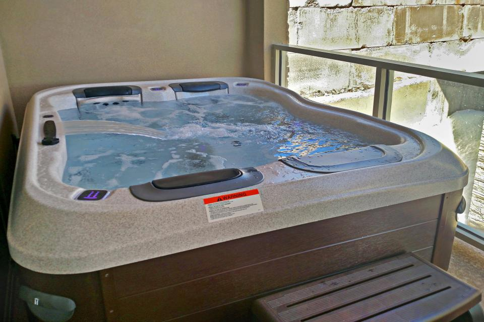 Contemporary Living at The Lofts w/ hot tub! - Brian Head Vacation Rental - Photo 2