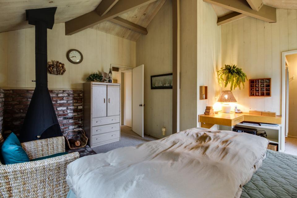 Beyerlein Getaway - Sea Ranch Vacation Rental - Photo 14