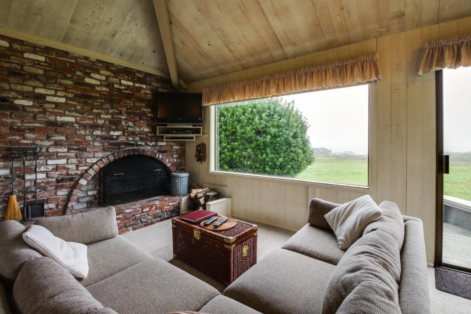 Beyerlein Getaway - Sea Ranch Vacation Rental - Photo 2