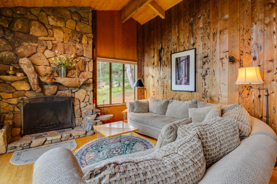 Meyer Getaway - Sea Ranch - Take a Virtual Tour