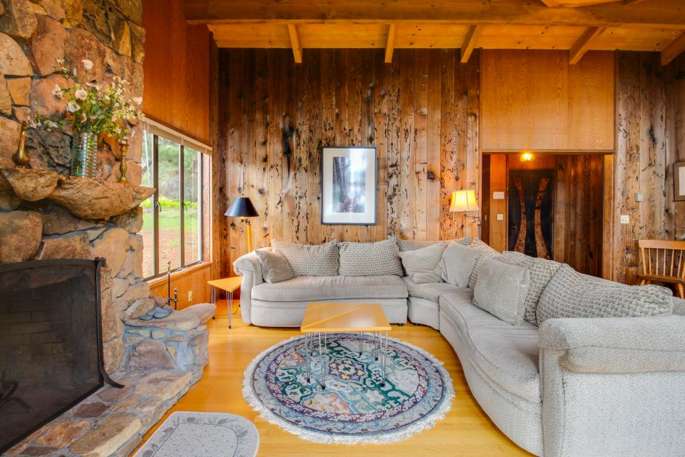 Meyer Getaway - Sea Ranch Vacation Rental - Photo 6