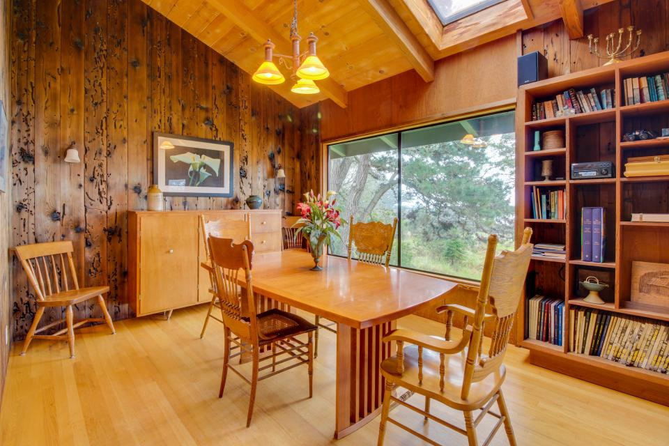 Meyer Getaway - Sea Ranch Vacation Rental - Photo 7
