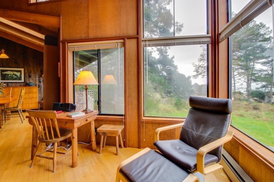 Meyer Getaway - Sea Ranch Vacation Rental - Photo 3