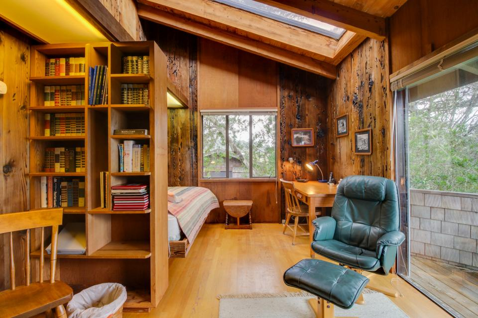 Meyer Getaway - Sea Ranch Vacation Rental - Photo 8