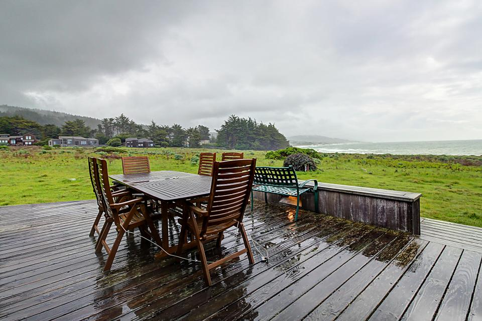 Aloha house 3 bd vacation rental in sea ranch ca vacasa for Sea ranch house
