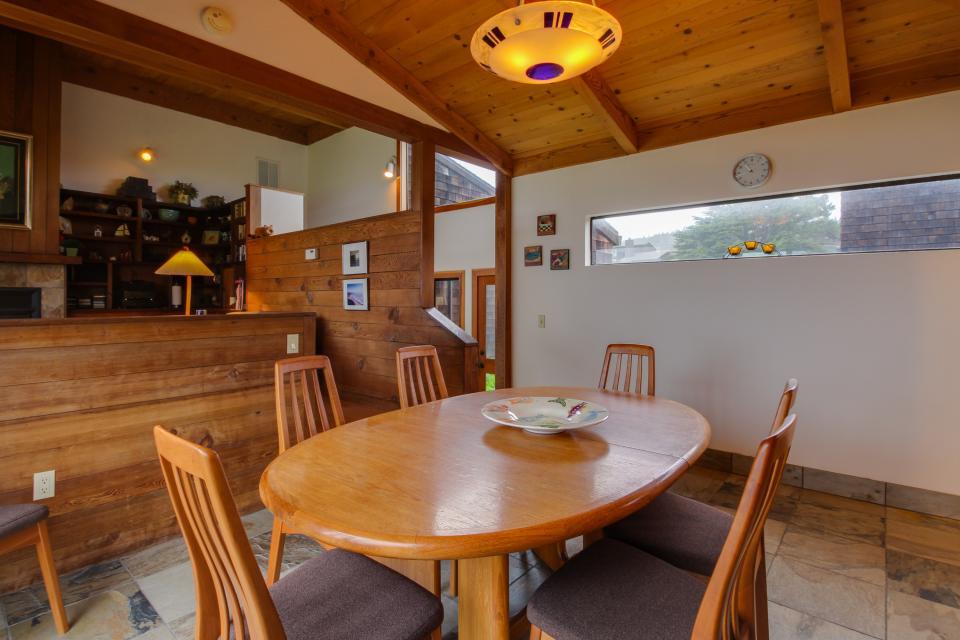 Whitewater Retreat - Sea Ranch Vacation Rental - Photo 8