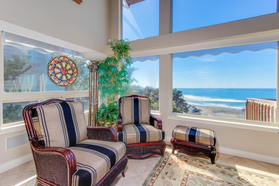 Luxury Ocean Escape - Lincoln City Vacation Rental - Photo 6