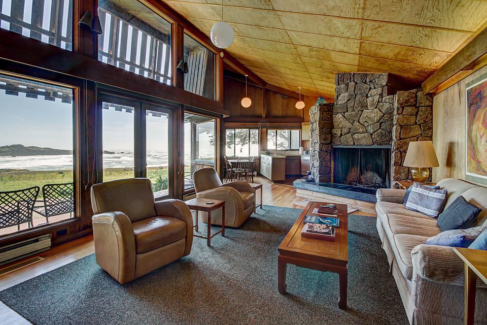 Curtis-Moulton Retreat - Sea Ranch - Take a Virtual Tour