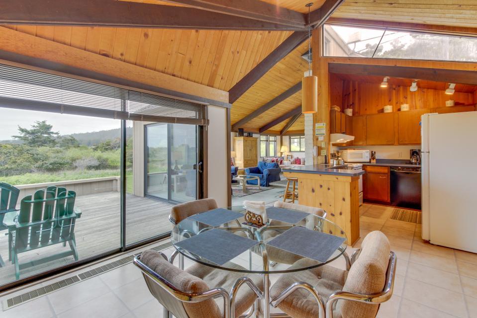 Hobbes House - Sea Ranch Vacation Rental - Photo 16