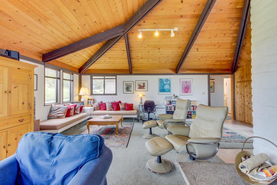Hobbes House - Sea Ranch Vacation Rental - Photo 7