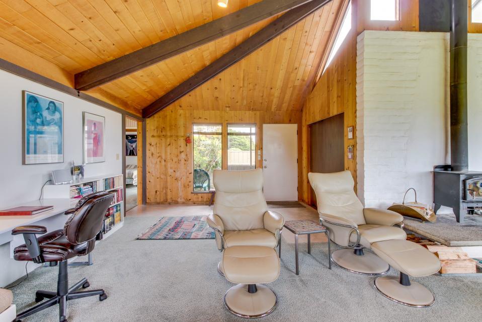 Hobbes House - Sea Ranch Vacation Rental - Photo 10