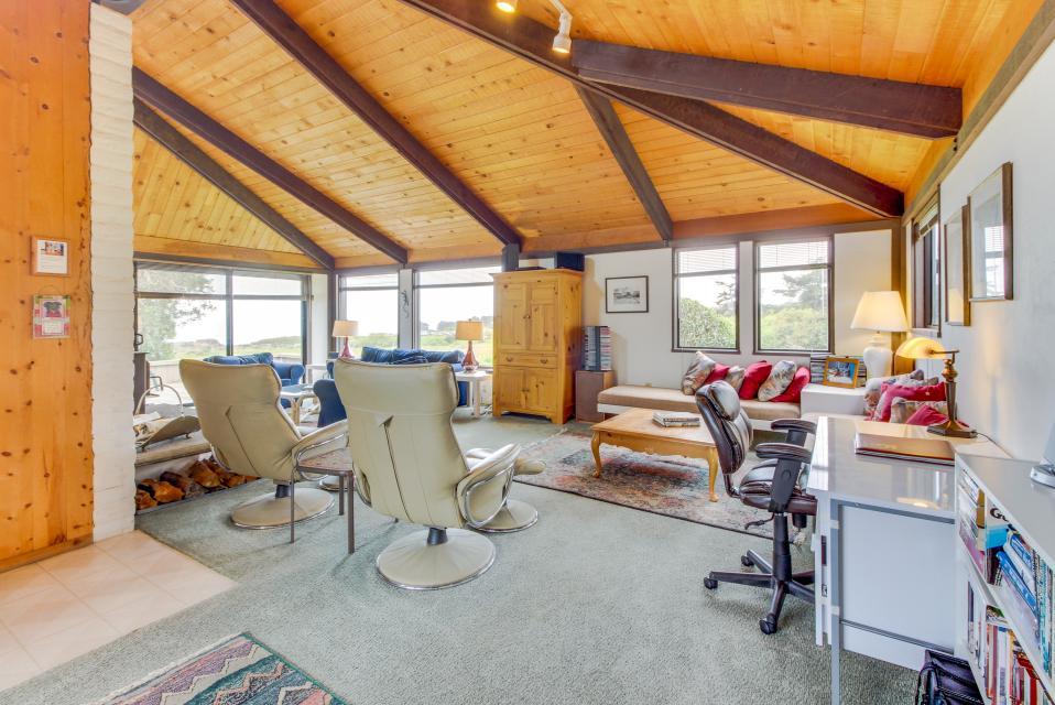 Hobbes House - Sea Ranch Vacation Rental - Photo 11