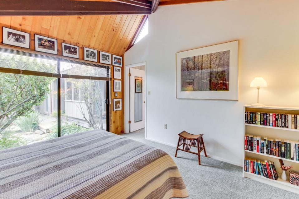 Hobbes House - Sea Ranch Vacation Rental - Photo 24