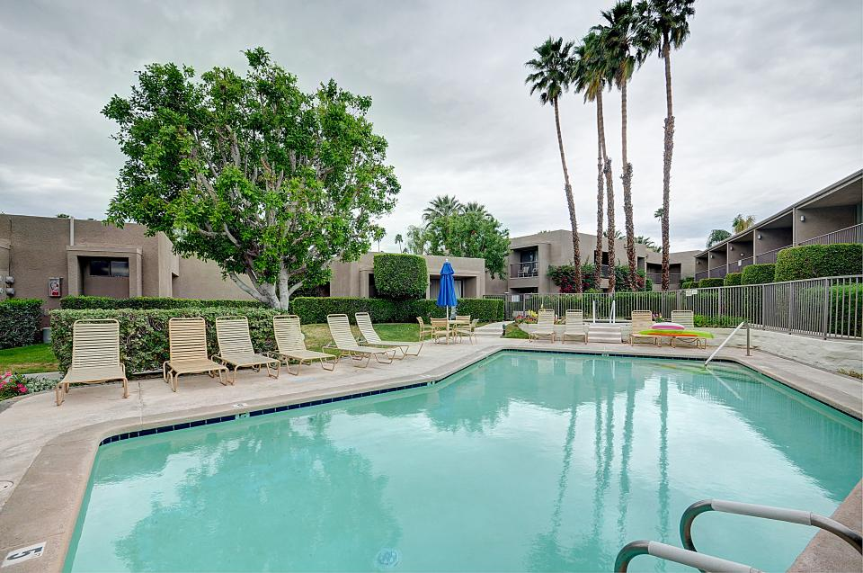 Shadow Mountain Club Studio - Palm Desert Vacation Rental - Photo 1